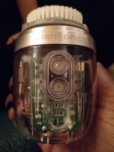 What's inside of the Clarisonic , Alpha Fit.
