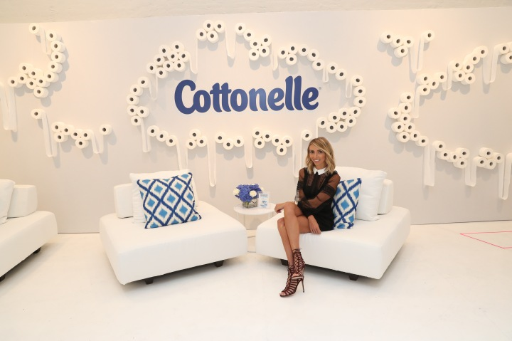 NEW YORK, NY - SEPTEMBER 08: Giuliana Rancic attends day one of Beauty Bar Presented by Cottonelle on September 8, 2016 in New York City. (Photo by Rob Kim/Getty Images for Cottonelle Beauty Bar)